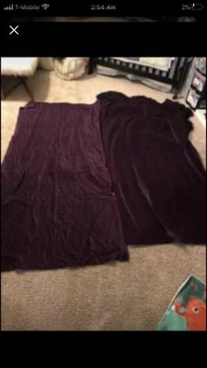 JCPENNY velvet curtains . Smoke free home. Pick up in churchland for Sale in Portsmouth, VA