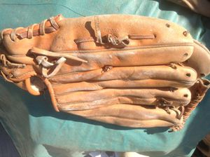 Fielders Baseball Glove- needs relacing and condition -$3 Made in Japan and is a quality glove with TLC for Sale in Downey, CA