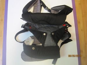 Baby Carrier Flip 4-in-1 Convertible Infantino Brand for Sale in Woonsocket, RI