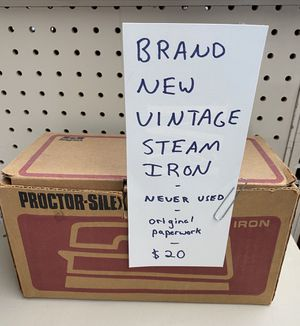 Proctor Silex vintage iron. New in box. 60s 70s vintage for Sale in Shrewsbury, MA