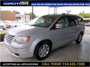 2010 Chrysler Town & Country Limited Minivan 4D for Sale in Los Angeles, CA
