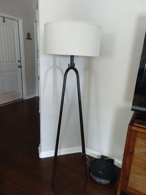Elfrieda Floor Lamp for Sale in Buda, TX