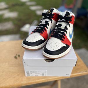 Women Air Jordan 1 Mid Se ‼️ Receipt💯 SIZE 7 for Sale in Miami Gardens, FL