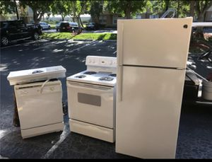 Refrigerator, Dishwasher, Hood and Microwave. for Sale in Hialeah, FL