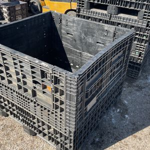 45x48x40 Pallet Box Collapsible Container Roofing Warehouse Organization Automotive for Sale in Laredo, TX