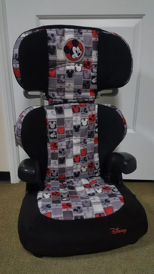 DISNEY MICKEY MOUSE BOOSTER SEAT for Sale in Hawthorne, CA