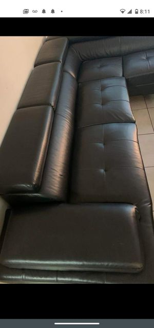 SOFA SECTIONAL BLACK IN L SHAPPE.. DELIVERY SERVICE AVAILAIBLE for Sale in HALNDLE BCH, FL