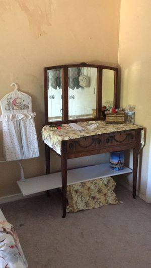 Authentic antique dressing table 150 yrs old good condition for Sale in Kissimmee, FL