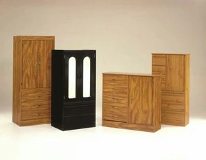 Closets chest. for Sale in Vernon, CA