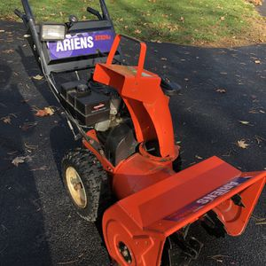 Ariens ST824DLE Snowblower Two Stage for Sale in West Hartford, CT