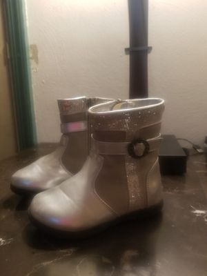Gorgeous fashion boots Size 8 girls! for Sale in Monroeville, PA