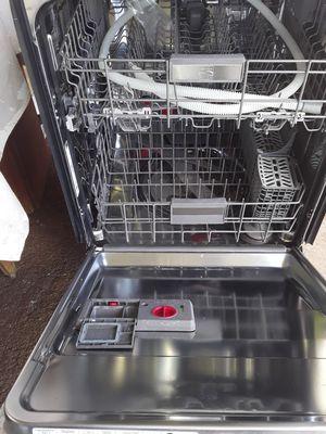 Kenmore elite,chrome dishwasher for Sale in Waipahu, HI