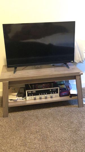 Vizio LED Tv 32 inch like new in good condition got it for 120$ selling it for 50$ for Sale in Fresno, CA