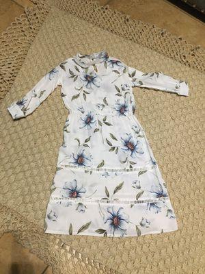Baileys blossoms maxi dress 4t for Sale in Visalia, CA