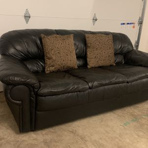 Modern Black Leather Couch **MUST SEE** for Sale in Vancouver, WA