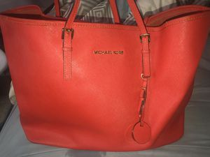 Michael Kors Tote Bag- USED-WILLING TO NEGOTIATE for Sale in Silver Spring, MD