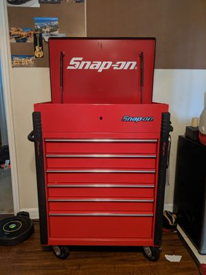 Snap on tool box/cart. W/ wrench & socket holder and bottle opener. for Sale in Largo, FL