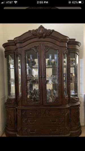 Dining room hutch and buffet for Sale in Fresno, CA