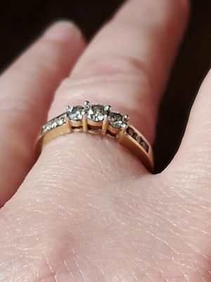 10k size 7 diamond ring for Sale in Vancouver, WA