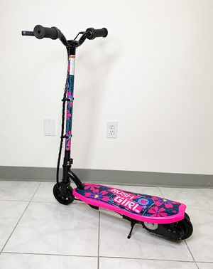 "New $70 Kids Teens Electric Scooter Hand Brake Kick Stand Rechargeable Battery (29x8x35"") for Sale in Pico Rivera, CA"