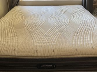 Beautyrest Adjustable King Mattress and Bedframe with 2 Remotes for Sale in San Diego,  CA