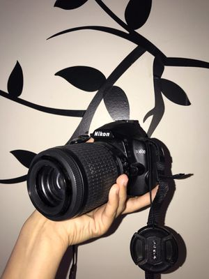 Nikon D3000 for Sale in Indian Orchard, MA