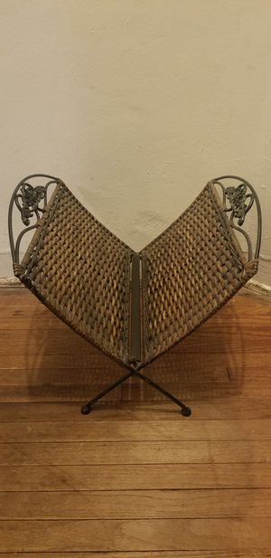 Wicker & Wrought Iron Folding Magazine Rack for Sale in Windsor Hills, CA