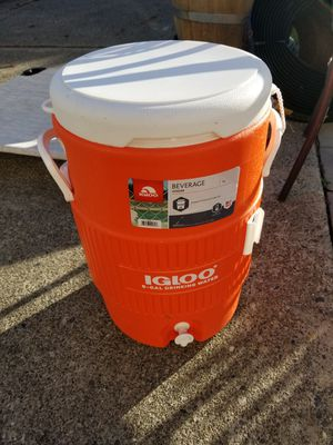 Igloo Beverage/Water Cooler for Sale in Mukilteo, WA