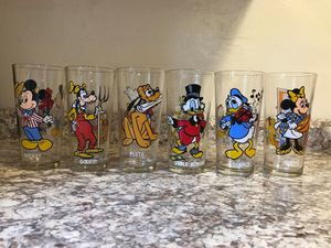 Disney Collector Series Glasses Mickey, Goofy, Pluto, Scrooge, Donald, and Minnie for Sale in Pittsburgh, PA