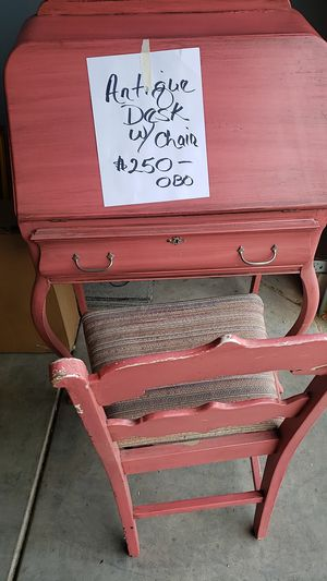 Antique Desk w/chair for Sale in Fresno, CA