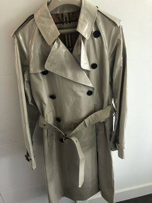 Burberry men's rain {url removed}.48,brand new.$999 on sale.Will sell for $499 obo ,trades for Sale in SeaTac, WA