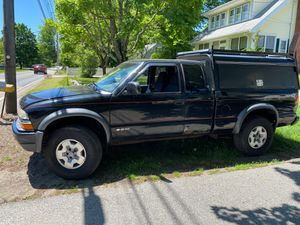 03 Chevy s10 zr2 for Sale in South Easton, MA