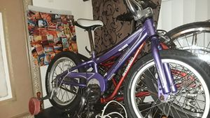 Super clean almost brand new specialized kids bike for Sale in Miami, FL