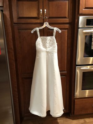 Flower girl dress size 14 from David's Bridal $75 for Sale in Independence, MO