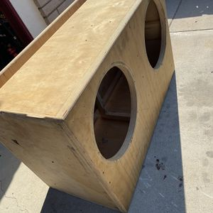 2 18s Professionally Built Sub Box For SUV for Sale in Sanger, CA