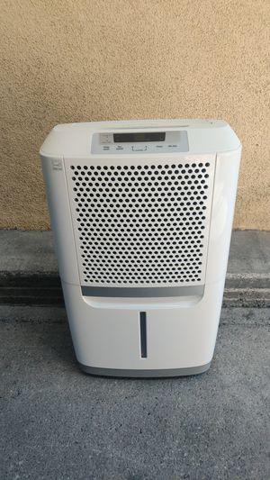 Frigidaire 70 pint dehumidifier for Sale in Santa Clarita, CA