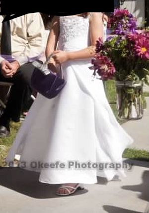 Satin flower girl dress with embroidery for Sale in Apple Valley, CA