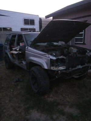 97 Jeep Grand Cherokee parting out for Sale in Bakersfield, CA