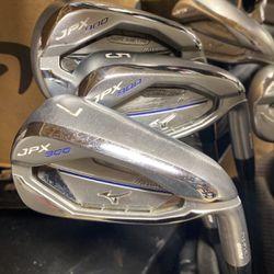 Mizuno JPX 900 Golf Clubs P-4, 3h, 5w, 3w (used) for Sale in Clarksburg,  MD