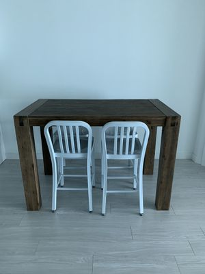 Kitchen Table & Chairs for Sale in Miami, FL