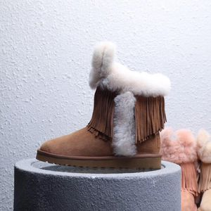 UGG boots newc for Sale in Columbus, OH