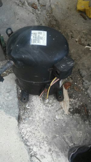 2 ton ac compressor r22 freon for Sale in Ives Estates, FL