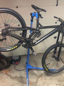 Trek Session 8, Medium, 27.5 Downhill Bike for Sale in Sunnyvale,  CA