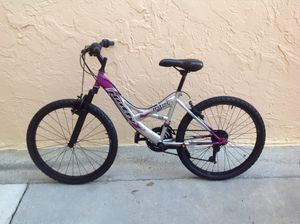 BICYCLE HUFFY 21 SPEED EXCELLENT CONDITION for Sale in Miami, FL