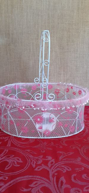 $3 Pink White Basket for Sale in Hemet, CA