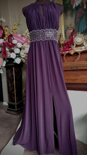 Elegant Long Fancy Gown For Your Special Occasion! Dress for Prom, Graduation, Wedding, Party, Special Event! Vestido Morado de Fiesta for Sale in Winchester, CA