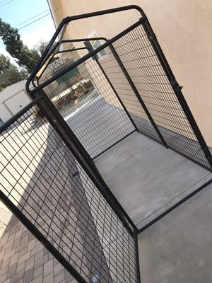 Portable Kennel for Sale in San Dimas, CA