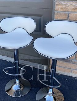 Brand New! $60 Each 2 White Bar Stools for Sale in Orlando,  FL