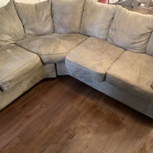 Great Condition Microfiber Couch (I Do Not Deliver) for Sale in Atlanta, GA