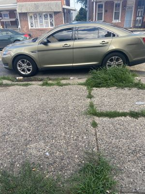 2013 Ford Taurus Sel AWD . 8500 for Sale in Philadelphia, PA